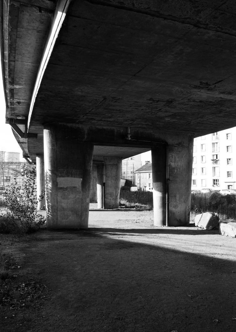 Under the bridge by exosquelette
