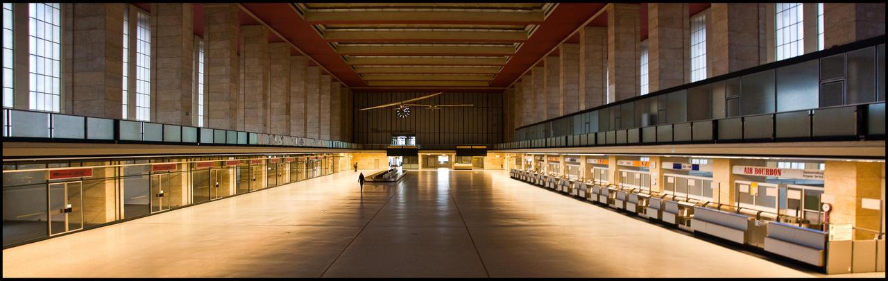 Tempelhof Hall by exosquelette