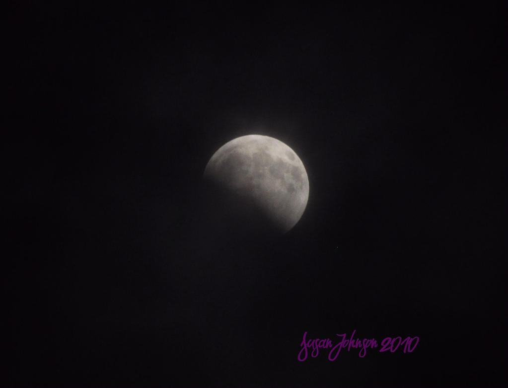 Partial Eclipse Dec 2010 by AlaskaGrl