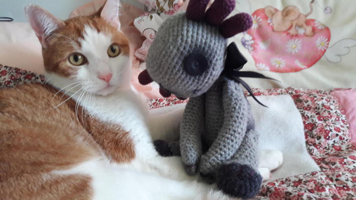 Crochet axolotl by BlindLittleCrow