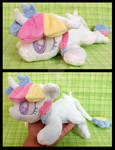 Lorelei ''Lazy Pony'' Beanie