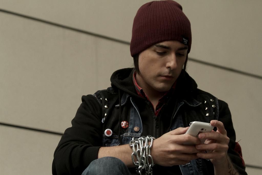 Delsin Rowe cosplay - smartphone by James--C