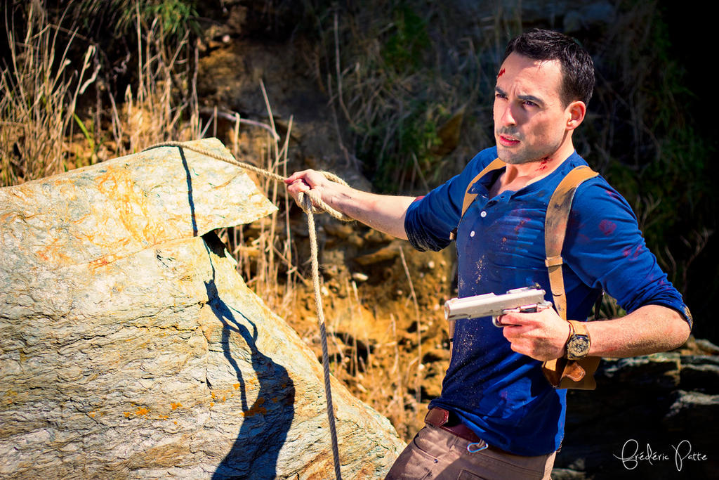 Uncharted 4 cosplay - climbing by James--C