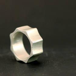 Gear Ring by xodropdeadox