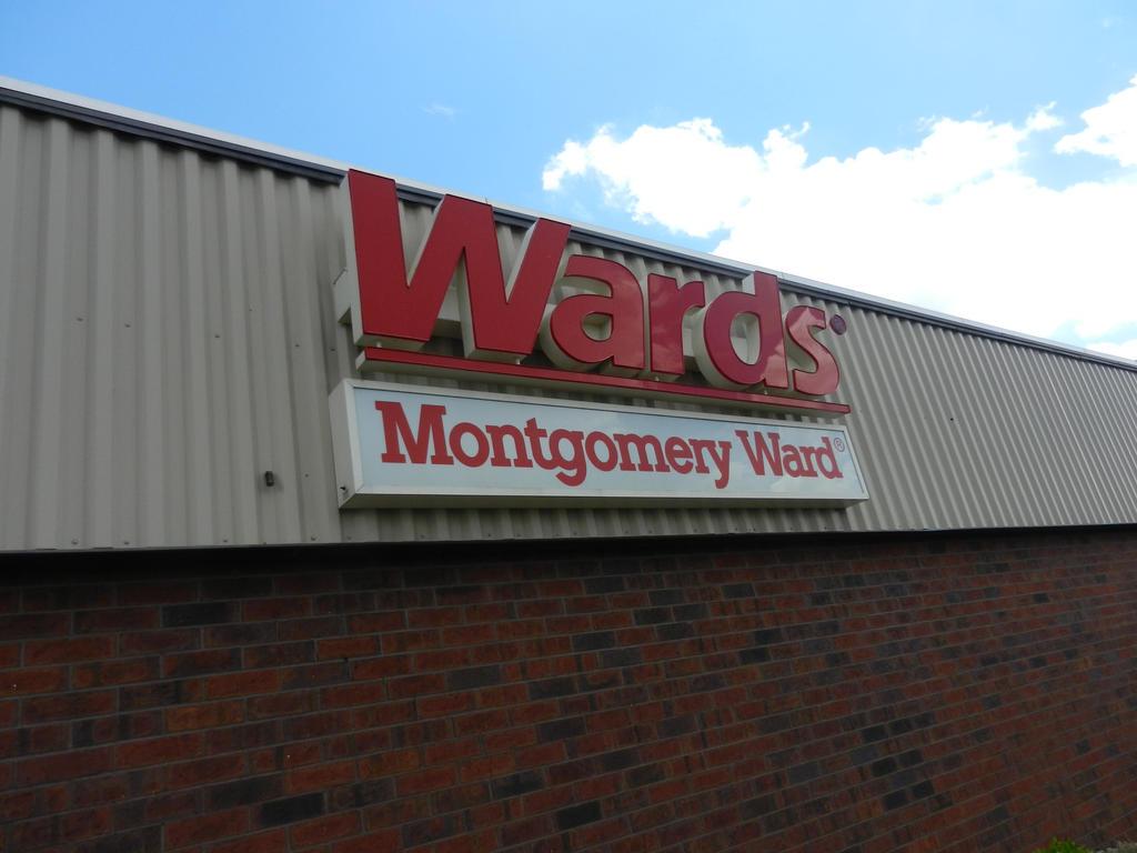 Wards/Montgomery Ward logo signage