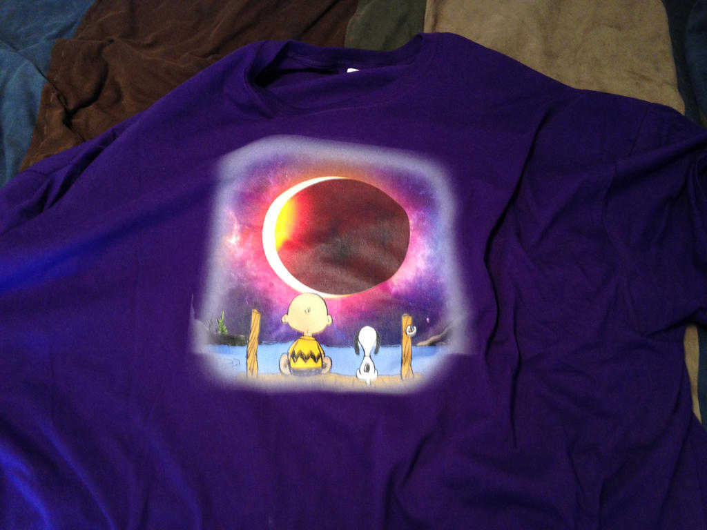 Charlie Brown and Snoopy solar eclipse T-shirt by dth1971