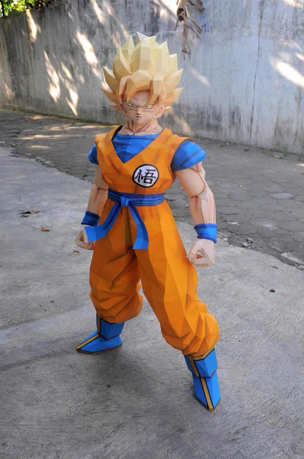 Son Goku SSJ1 6 by FameFarmer