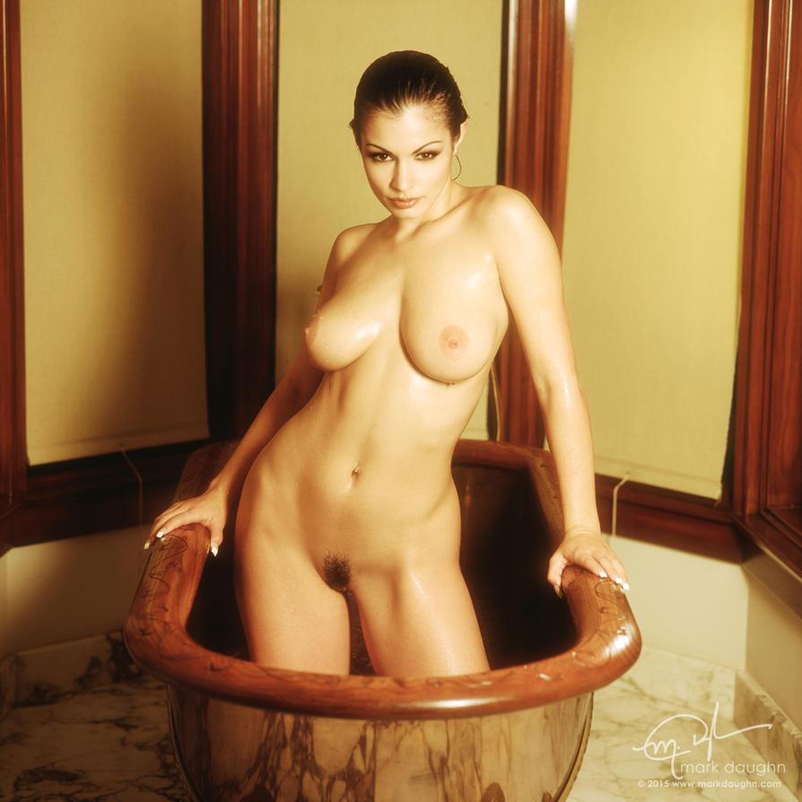 aria mys bathtub 28R by markdaughn