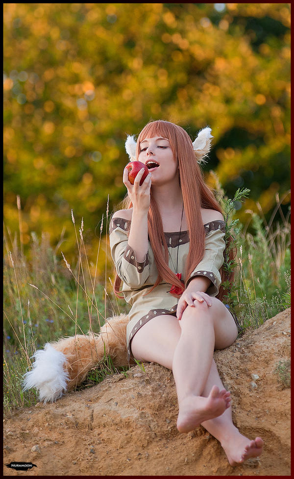 Horo / Holo - Spice and Wolf - [Red Apple]