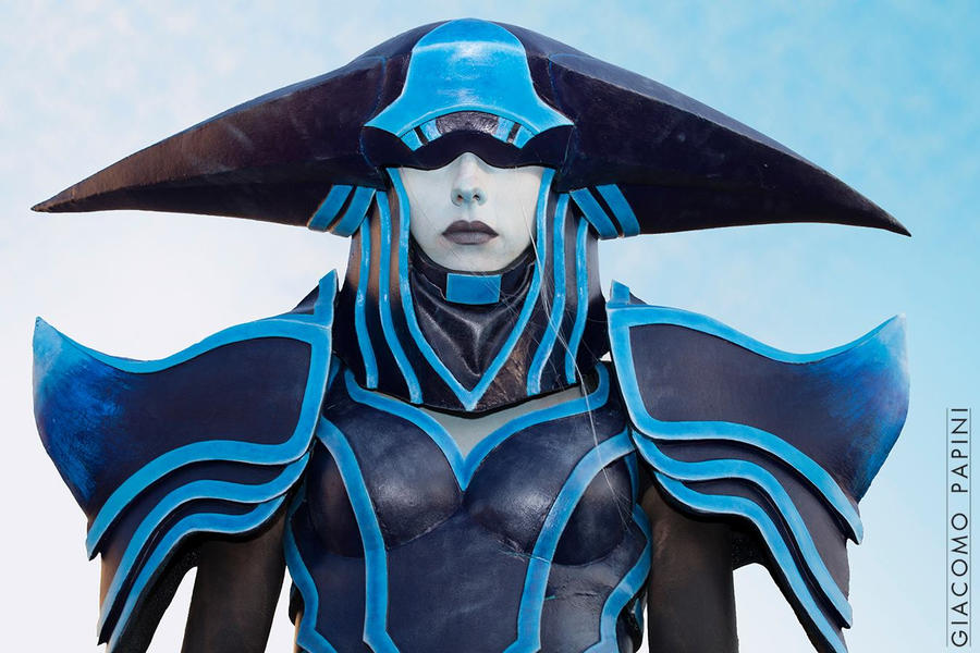 Lissandra The Ice Witch by BloodyLala on DeviantArt