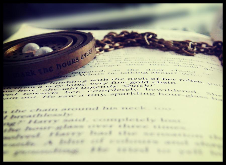 It__s_a_time_turner_Harry_by_angeldementor.jpg