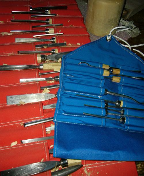 <img300*0:http://fc14.deviantart.com/fs32/f/2008/194/d/0/Lovely_Tools_by_NyaahNatrix.jpg>