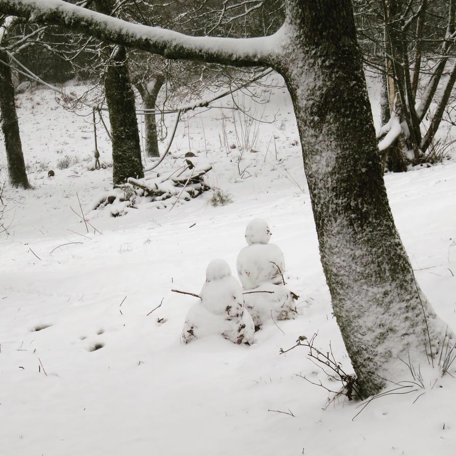 Snow people by Tish-Underwood