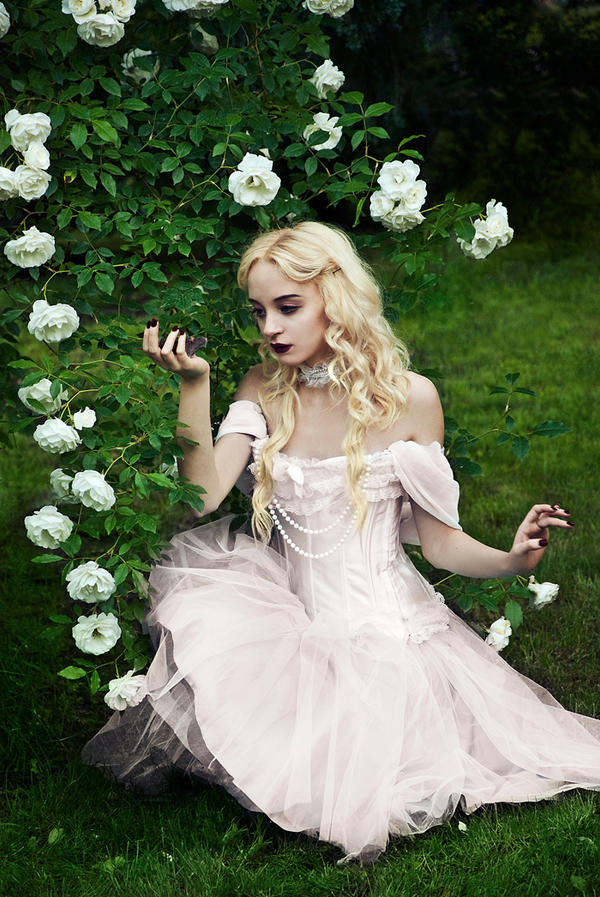 The white queen by ideea - Giz Avatar Ar�ivi .