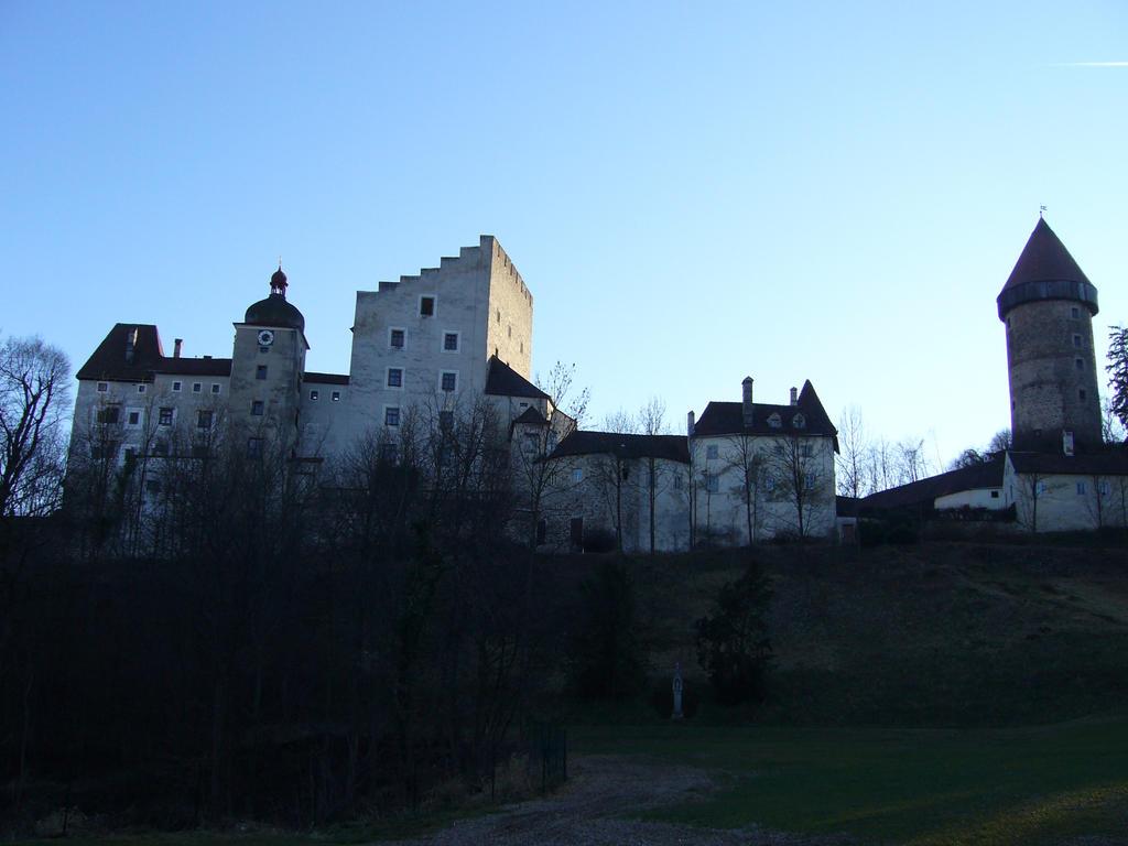 Burg Clam by Stidl