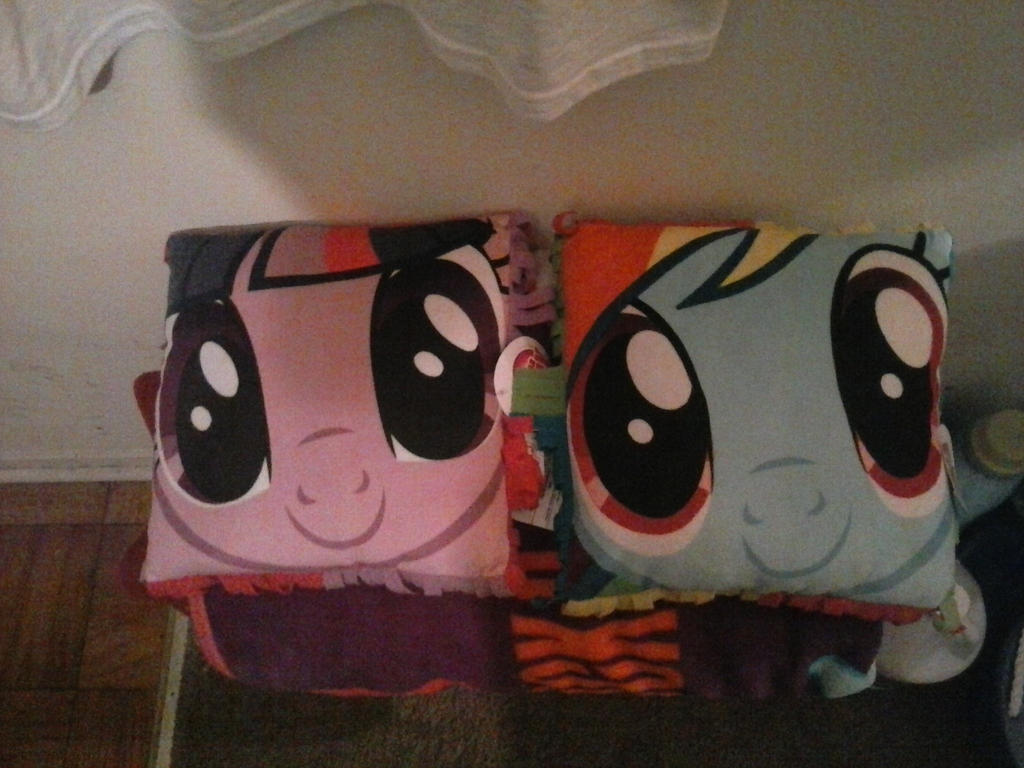 Pony Pillows Twilight and RD by FlutterDash75