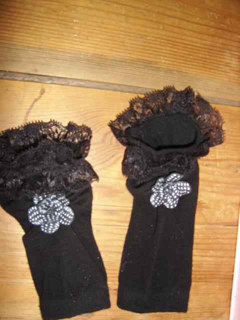fingerless mittens by enairan