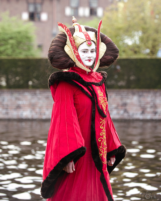 Queen Amidala by Riluna on DeviantArt