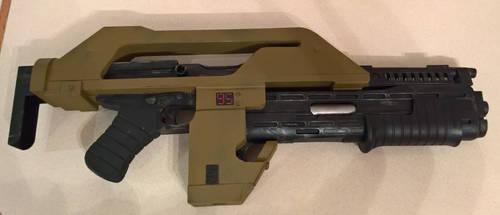 Scratchbuilt Aliens M41A pulse Rifle by StephenJD