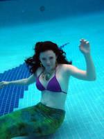 mermaid underwater by winterwhiterose