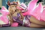 Sexy Popstar Ahri Cosplay - League of Legends