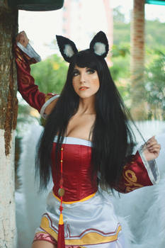 Classic Ahri - League of Legends cosplay