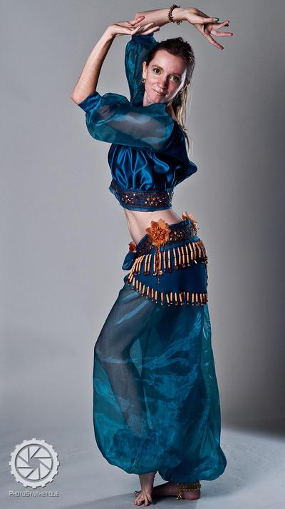 Belly dancer by Zulma-san