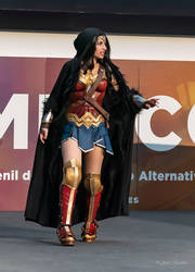 Wonder Woman performance photo by Andivicosplay