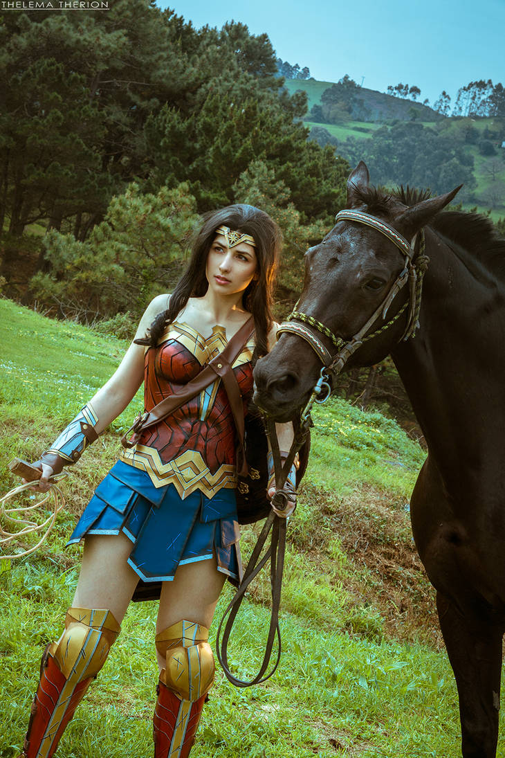 Wonder Woman Cosplay by Andivicosplay
