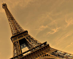 Eiffel Tower 4 by AlanSmithers
