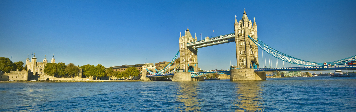 Tower Bridge by AlanSmithers