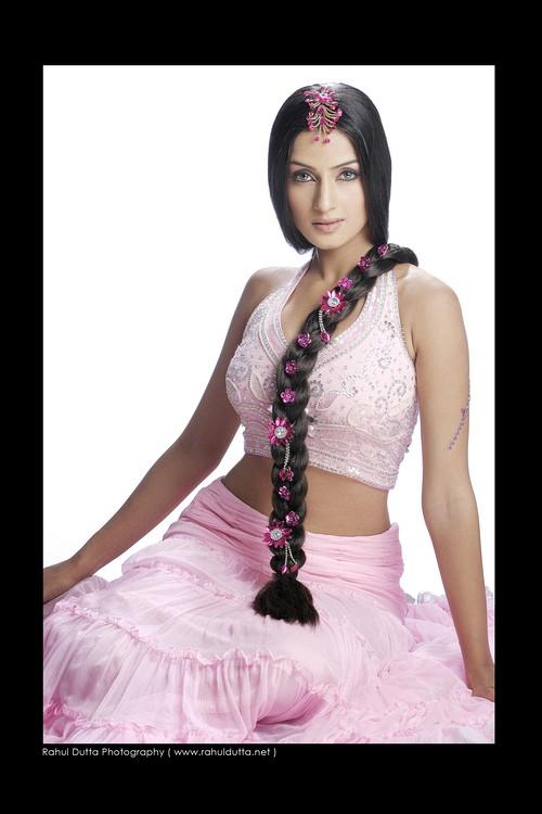 ~~ همســـــــــــــات دافئة ~~ - صفحة 2 Indian_beauty_Salina_Prakash_2_by_indianartsupporter