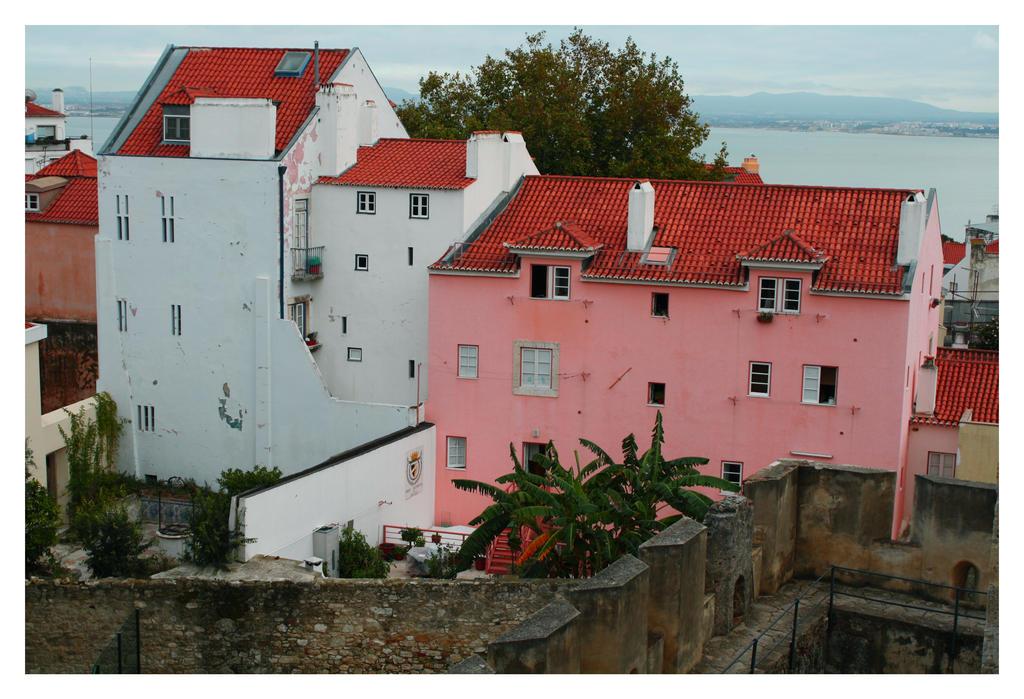Old Lisbon - Castelo II by FilipaGrilo
