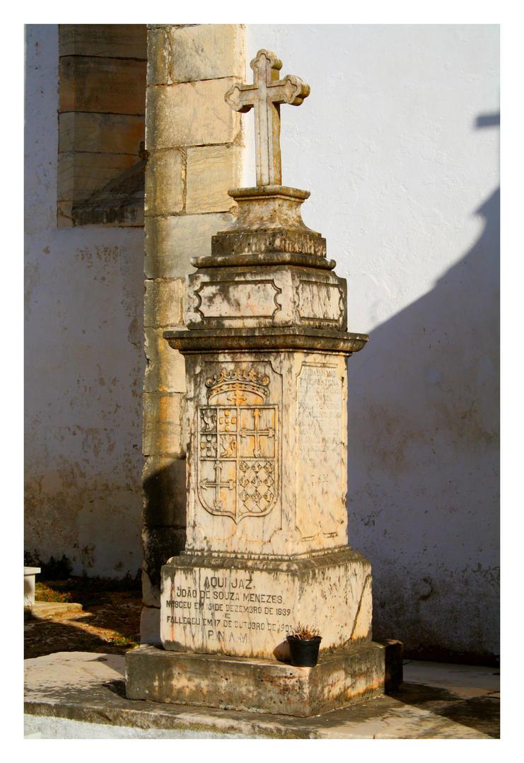 Vila Vicosa Old Grave I by FilipaGrilo