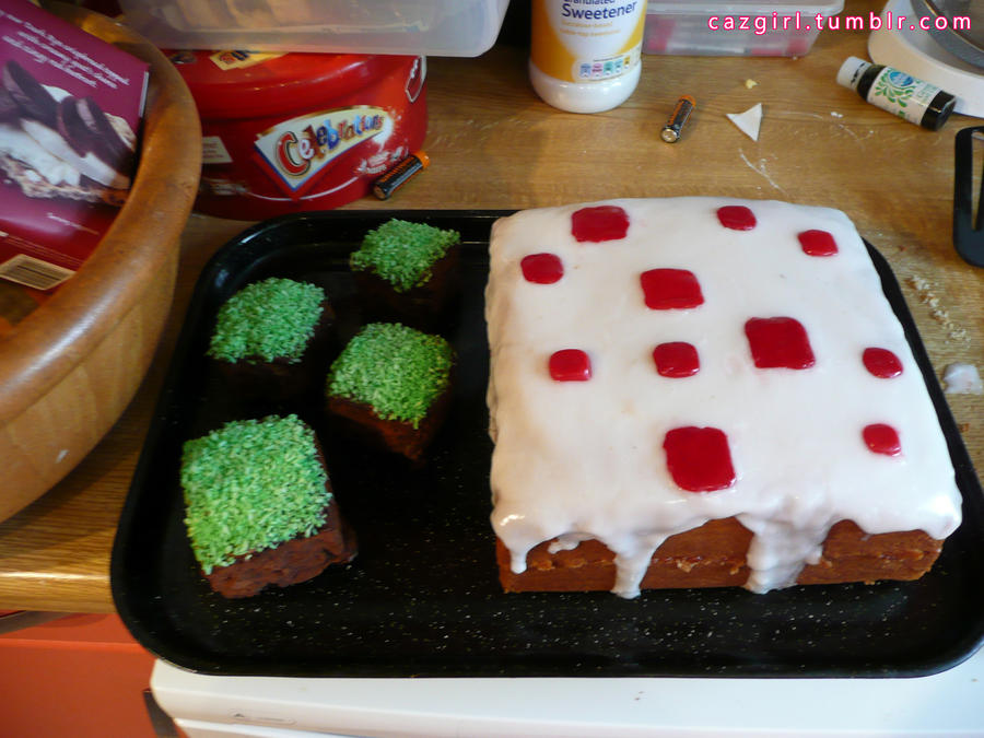 Minecraft Cake by CazGirl