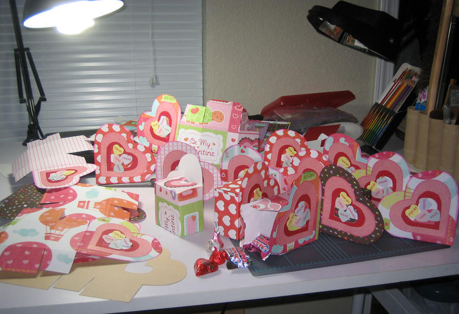v-day heart box 2011 by disdaindespair