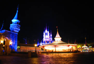 Magic Kingdom Carrousel by AntVar