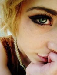 eyes like the world. 2 by Solsken-i-Hemmet