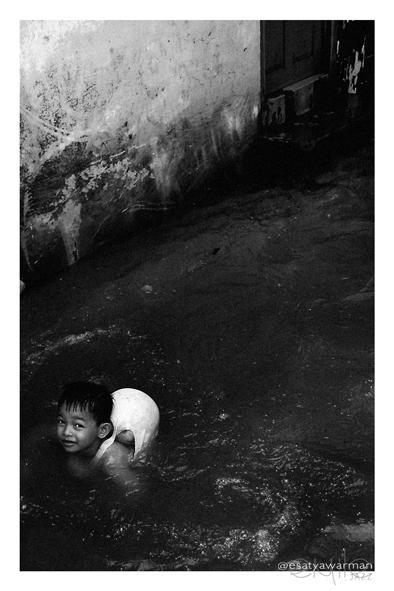 Jakarta :: flood :: V by eyw