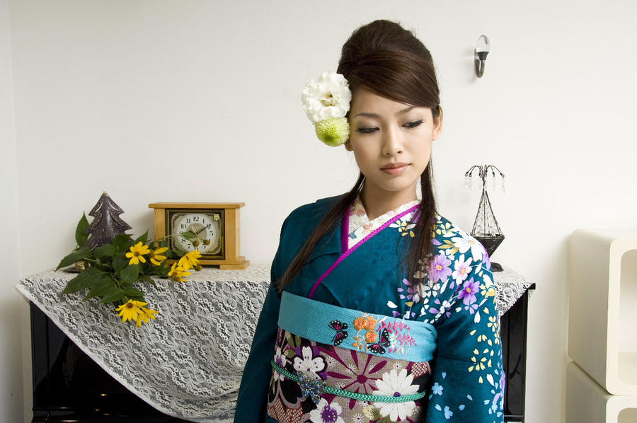 Kimono called furisode,with almost floor-length sleeves, on special occasions