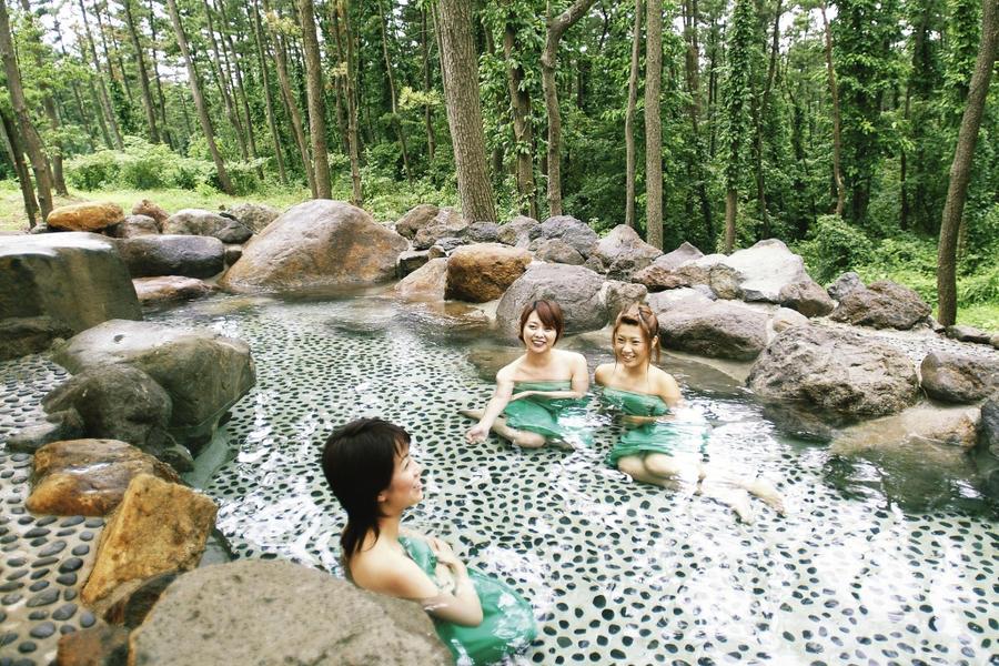 Open air bath in Japan 16 by nicojay. Open air bath in Japan 16 by nicojay on DeviantArt