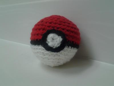 Crochet Pokeball by Stella--Marie