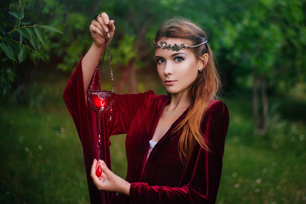Red Elf3 by VeroNArt