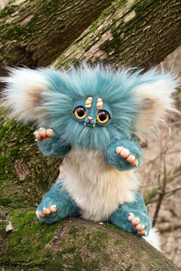 turquoise animal by AdelkaWalka