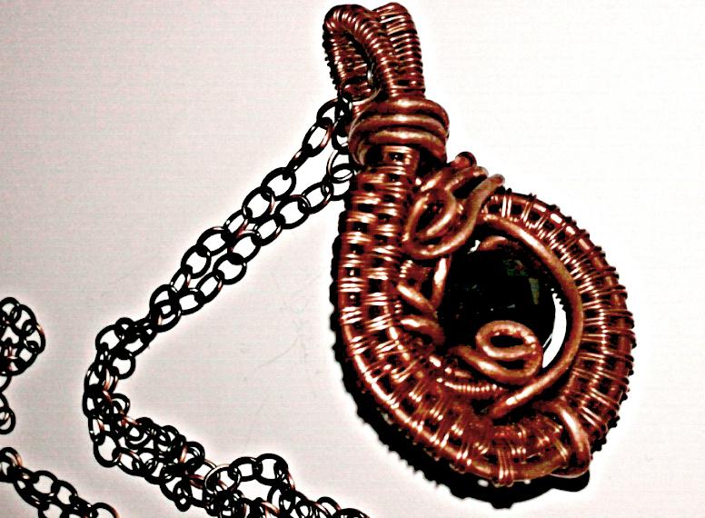 swirly copper pendant by slinkyskinked