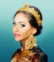 Queen Raven Reyes by VMari