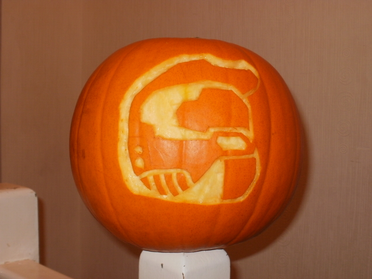 Jack-o-lantern Master chief by MonkeyNuts117