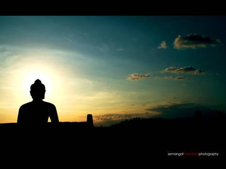 the shining Buddha