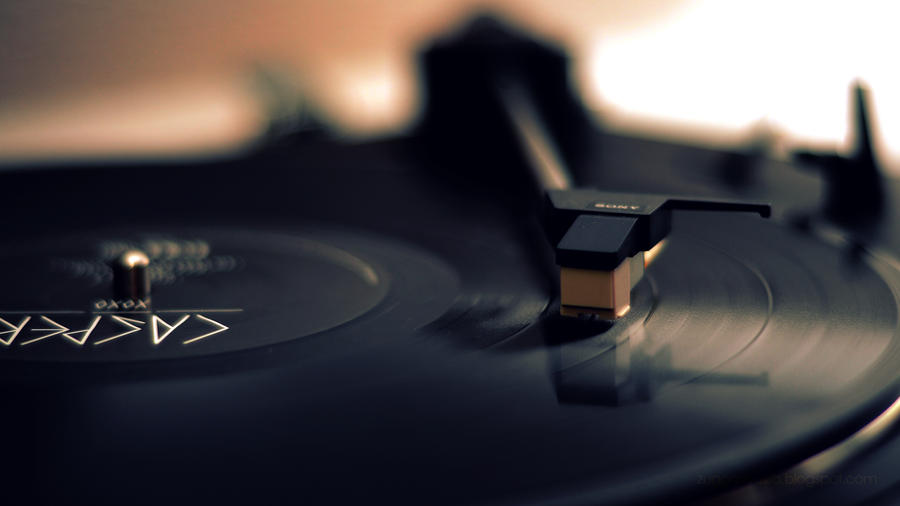 Casper Vinyl by Zuggamasta