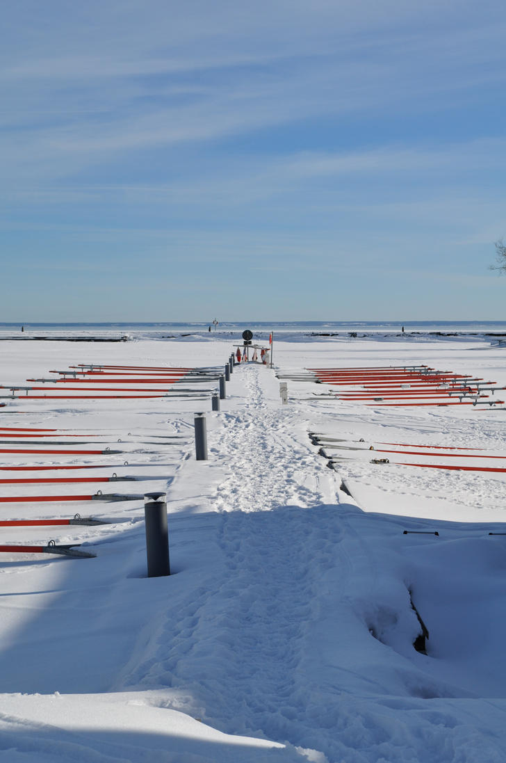 Winter harbour by mesako